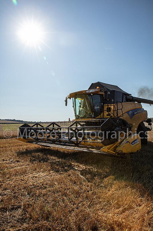 New Holland combine harvester CR9060